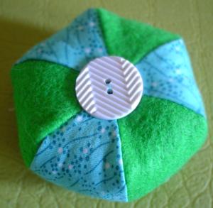 Bluegreen_pin_cushion_2