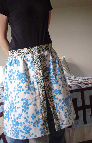 Apron_overlay_front