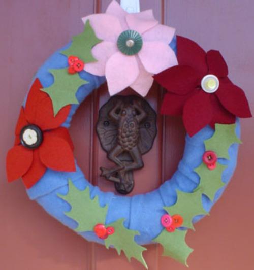 Pointsettia_holly_wreath